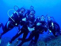 一个令人兴奋的活动和我们一起潜水冒险开始