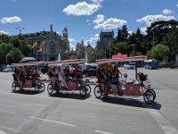 在马德里中心的自行车架