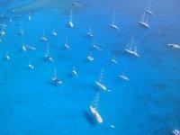 标志自然天堂码头豪华游艇
