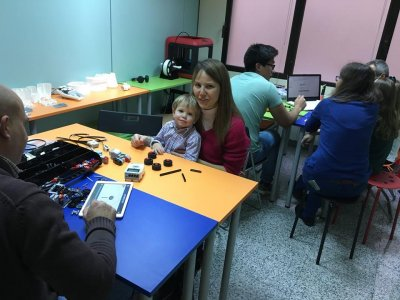 Family Technology Workshop in Madrid 3 Hours