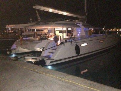 ECC Yacht Charter  Paseos en Barco