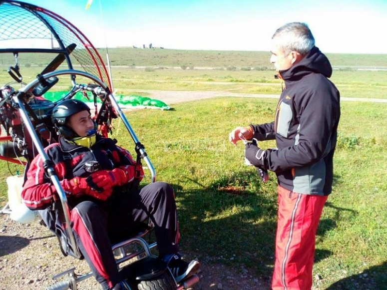 Pilot and participant in the paratrike
