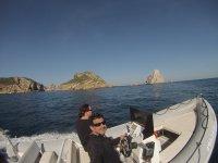Navegando en lancha desde Begur