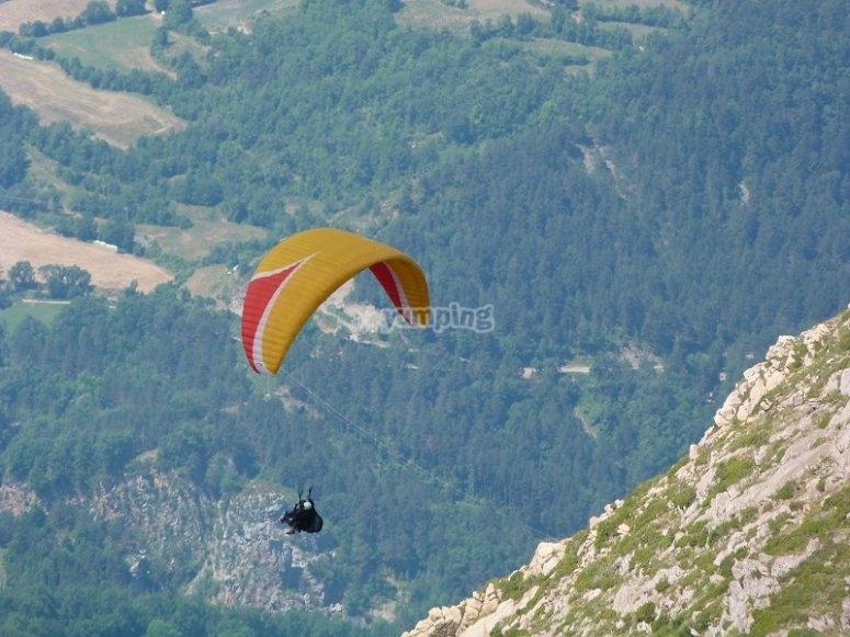 2-seater paraglide flight in Castejon de Sos