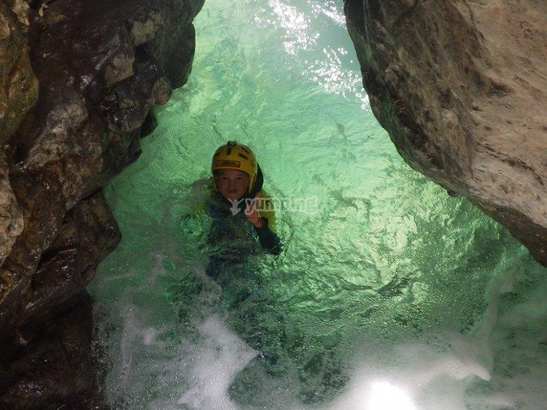 Nadando en las pozas de Miraval