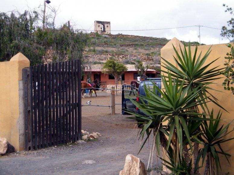 Triquivijate Hipic Center Entrance