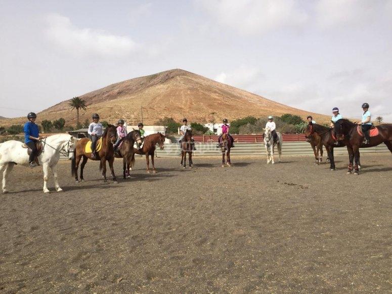 Preparados para salir a caballo en Fuerteventura