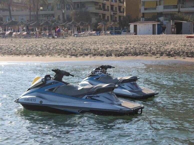 Conduce motos acuaticas