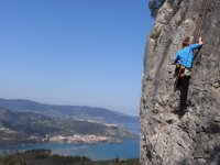 Half a Day Climbing Course in Urdaibai Reservoir