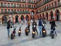 Ruta guiada en scooter por Córdoba 1 hora