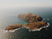 Visita las Islas Sisargas en barco