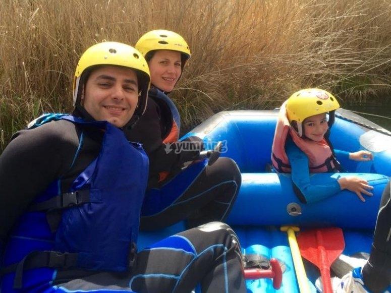 Family rafting near Madrid