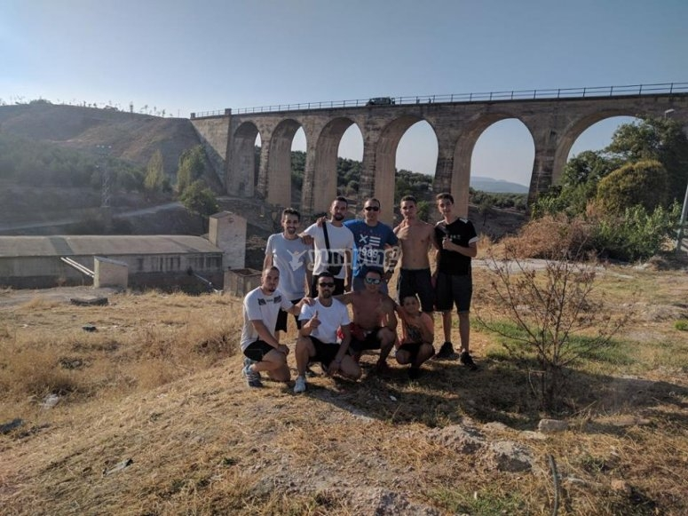 Group of bungee jumping in Jaen