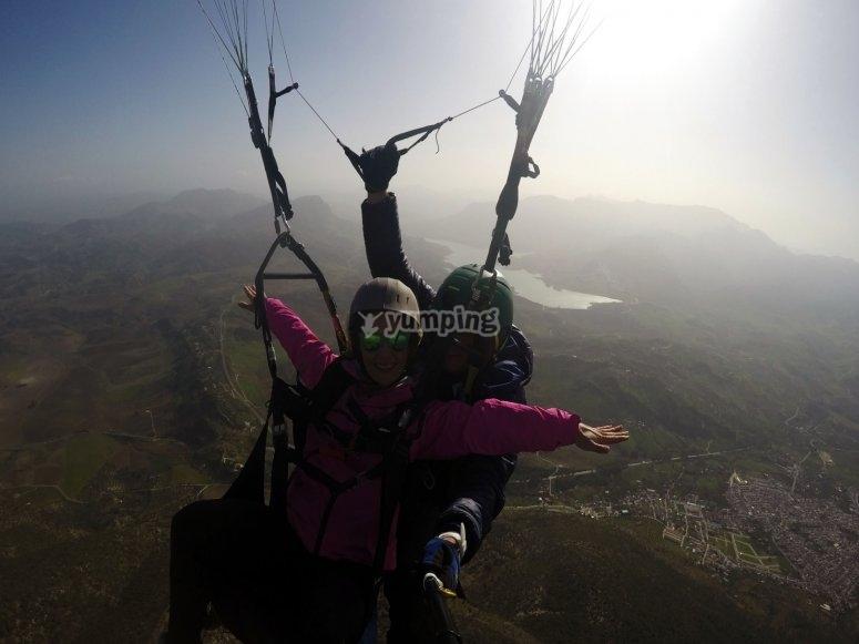 飞翔滑翔伞