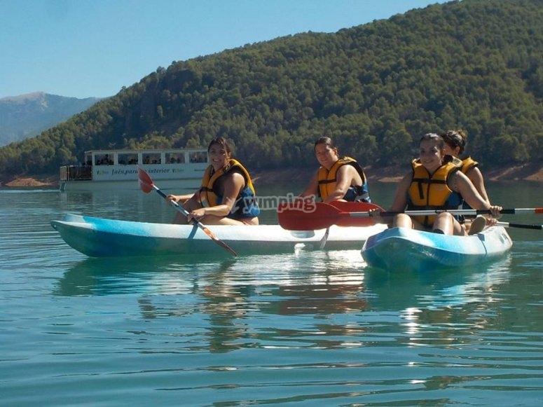 Paseo en kayak en embalse en Jaen