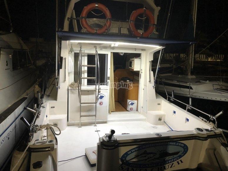 Barco pesquero para salida nocturna en La Manga