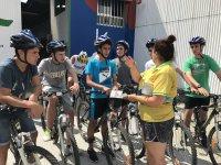 在Arousa岛骑自行车3小时