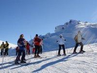 esquiadores en reposo