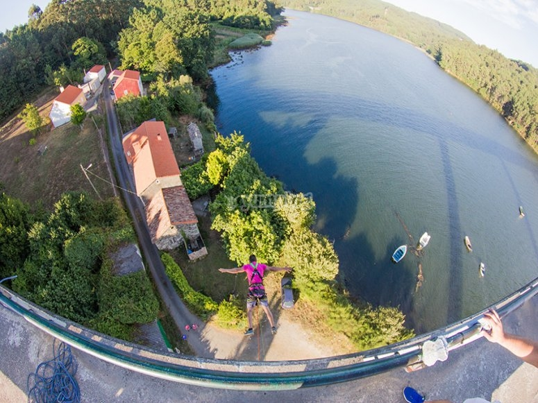 Bungee jumping a Noia