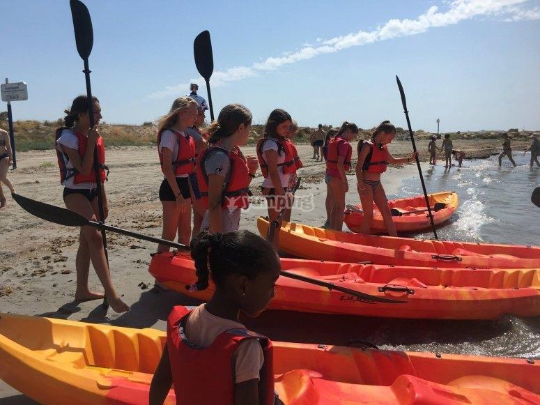 Kayak en Santa Pola con los alumnos del campamento
