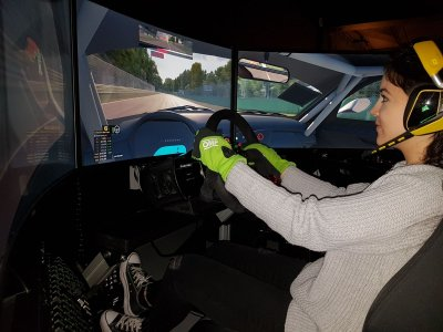 15m Sports Car Driving Simulator in Las Rozas