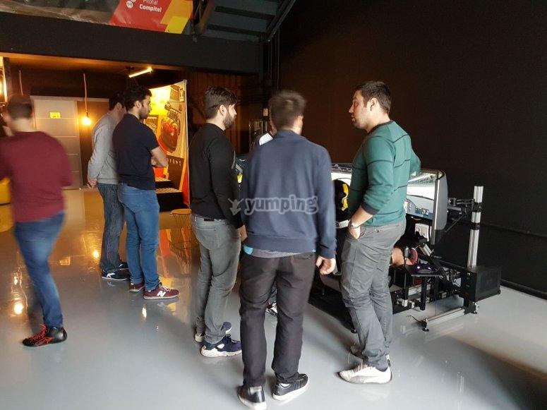 Grupo de despedida en el simulador