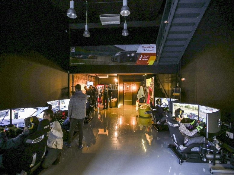 Car simulators competition