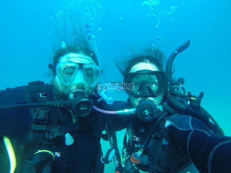 在赫罗纳潜水
