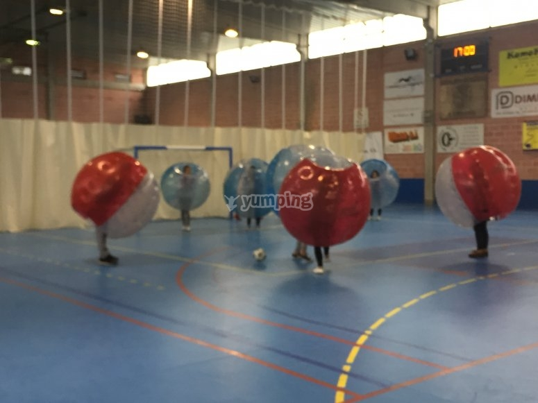 Bubble soccer en pabellon