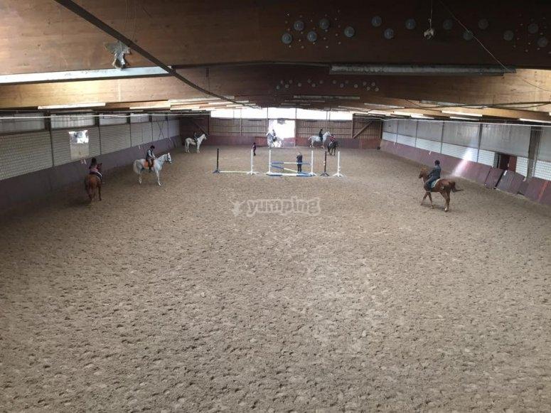 Pista de equitacion cubierta en El Pardo