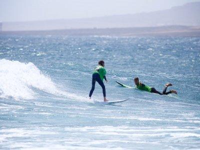 富埃特文图拉岛儿童冲浪课程4小时