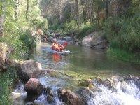Por el rio con la canoa