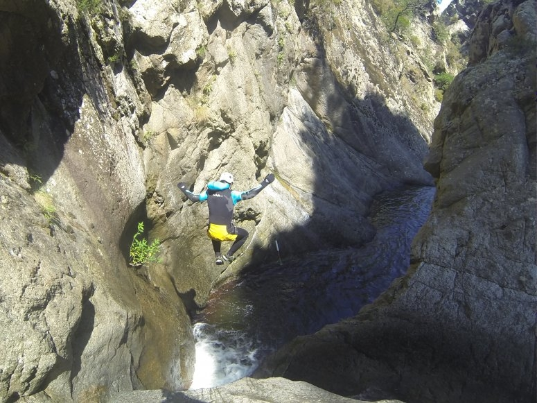 Jumping among rocks