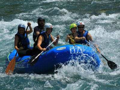 Rafting Descend in Ara River High Difficulty