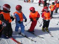 cursos de esqui infantil