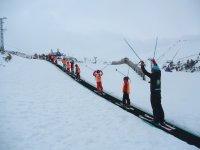所有有组织的滑雪空中宝贝儿