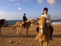 Paseo a caballo familiar en Fuerteventura 1 hora