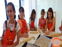 Students in the confectionery workshop