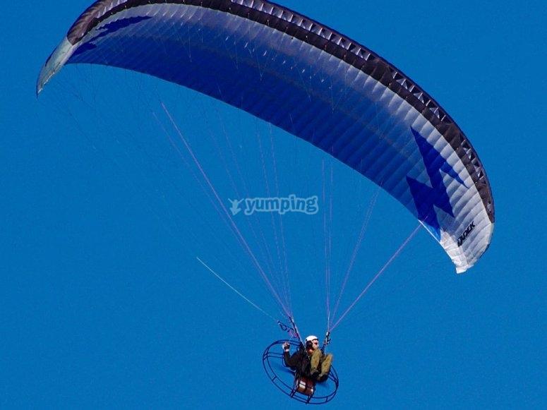 Sesion de vuelo en paramotor en Badajoz