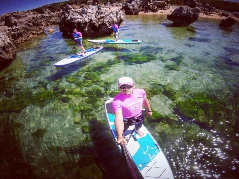 Practica deporte acuatico