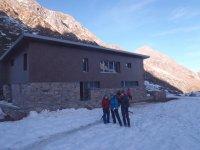 Probar raquetas de nieve en Asturias