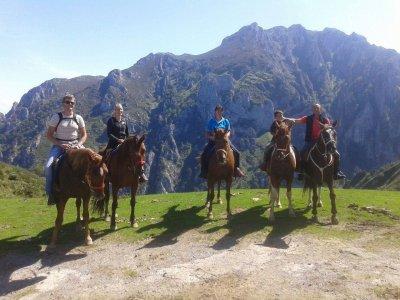 Paseo a caballo en Cangas con degustación de sidra