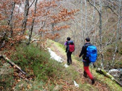TocandoCumbre Guías de Montaña Senderismo