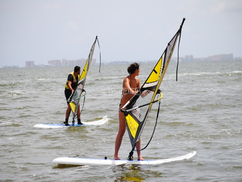 Instructores profesionales de windsurf