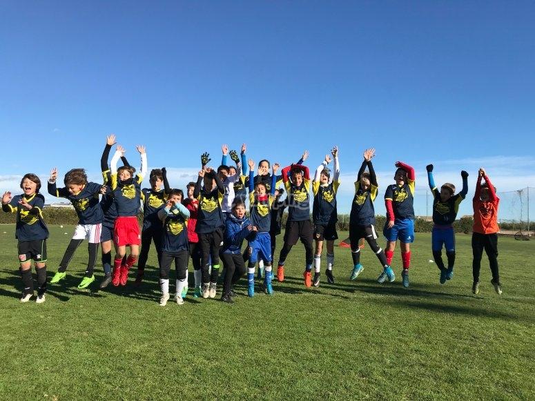 Forma equipo para jugar al futbol