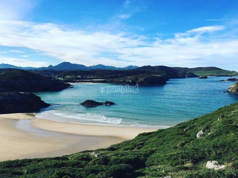 Scopri le fraterne spiagge asturiane