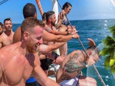 Festa Aventura Paseos en Barco