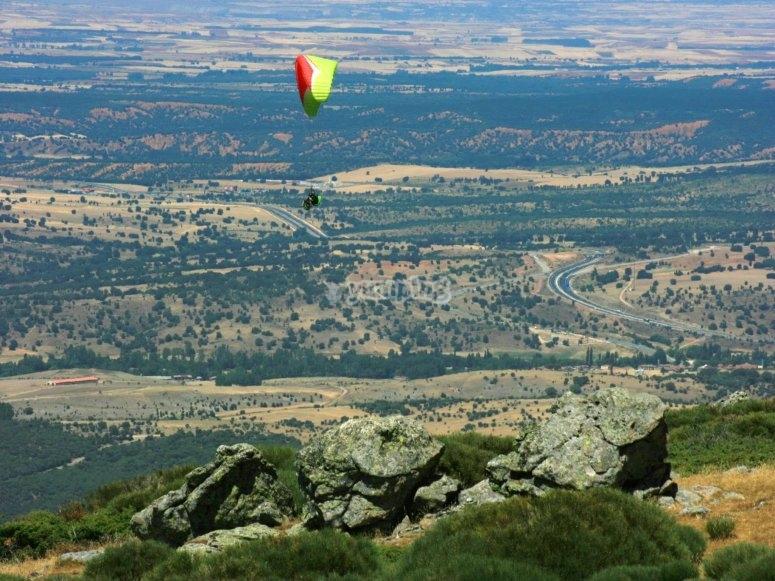 滑翔伞在塞布雷罗斯的飞行会议