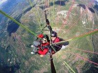 双人滑翔伞在Cebreros
