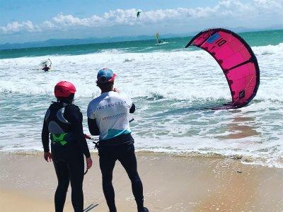 在塔里法私人开始风筝冲浪4小时